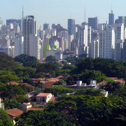 Morador de bairro nobre de SP vive 23 anos a mais, aponta pesquisa