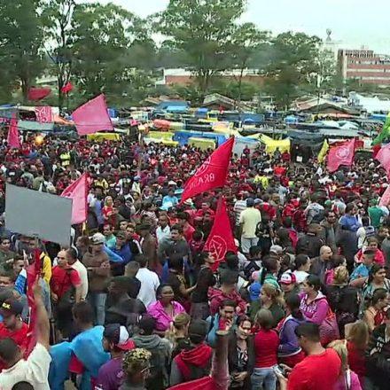 MTST faz marcha de terreno ocupado no ABC até Palácio dos Bandeirantes