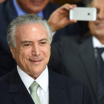 Após passar a manhã na residência oficial por recomendação médica, Temer volta ao Palácio do Planalto