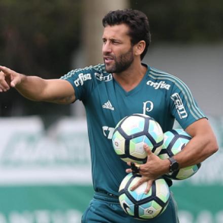 Palmeiras fecha a rodada contra o Cruzeiro e pode colar no líder Corinthians