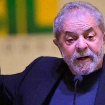 Quero disputar a Presidência com alguém com logotipo da Globo na testa, diz Lula