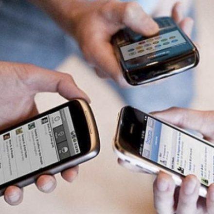 Brasil tem quase 64 milhões de lares com acesso a telefone celular, revela IBGE