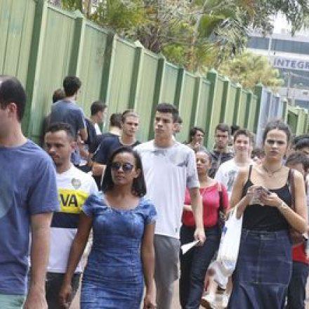 Estudantes se preparam para segundo domingo de provas do ENEM