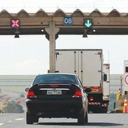 IPVA e seguro DPVAT de veículos com placas final 6 vencem hoje