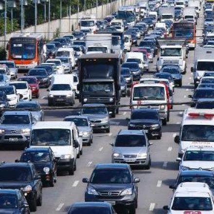 IPVA e seguro DPVAT de veículos com placas final 5 vencem hoje