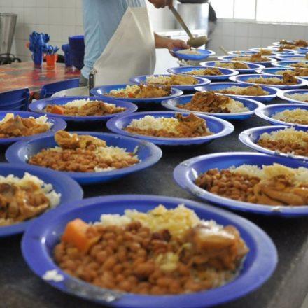 Prefeitura de São Paulo proíbe salsicha e outros embutidos na merenda