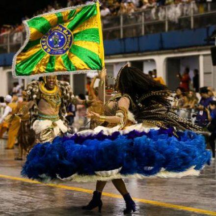 Sete escolas de samba abrem desfile hoje em São Paulo
