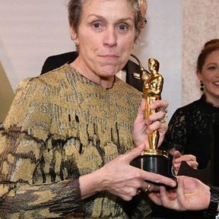 Oscar tem prêmio roubado e audiência em queda