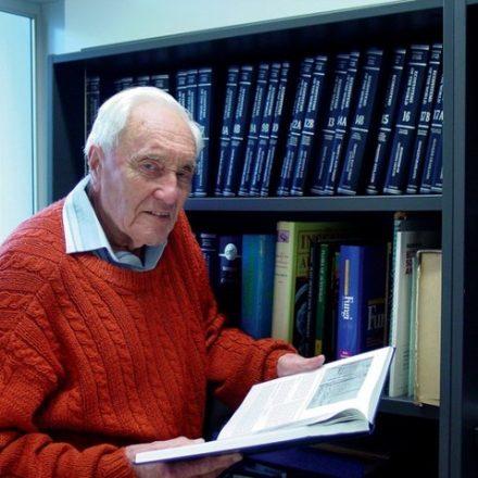 Cientista David Goodall, de 104 anos, morre na Suíça através de suicídio assistido