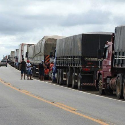 87% dos brasileiros apoiam greve dos caminhoneiros, mas rejeitam alta de impostos