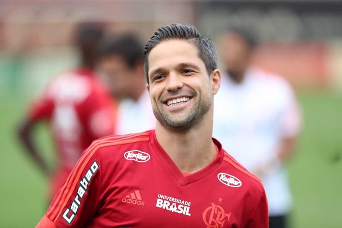 A Seleção perde por não ter um jogador como eu, diz Diego