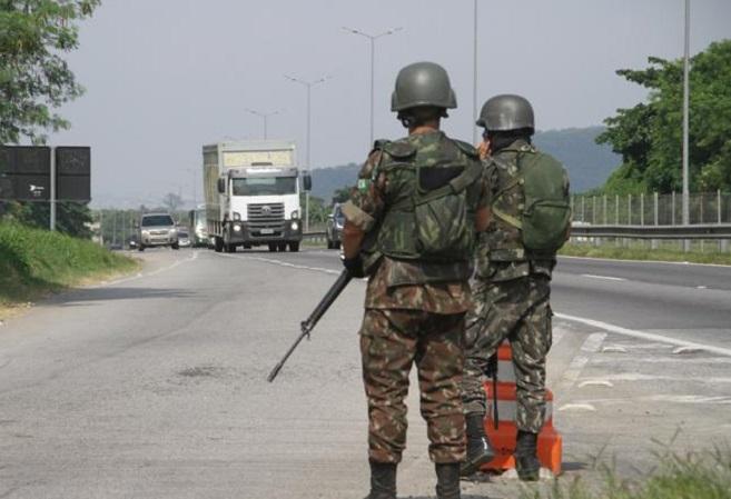 Uso das Forças Armadas nas estradas deve acabar nesta segunda, diz GSI