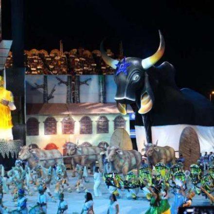 Caprichoso vence Festival Folclórico de Parintins