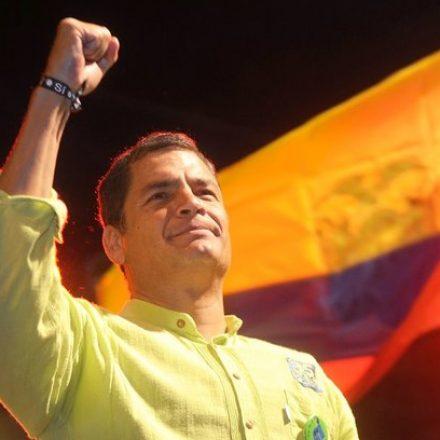 Justiça equatoriana ordena prisão preventiva de ex-presidente Rafael Correa