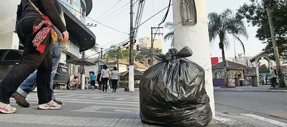 Vandalismo inviabiliza um quarto das lixeiras no ABC Paulista