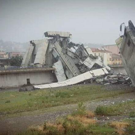 Ponte desaba em Gênova e deixa, pelo menos, 22 mortos