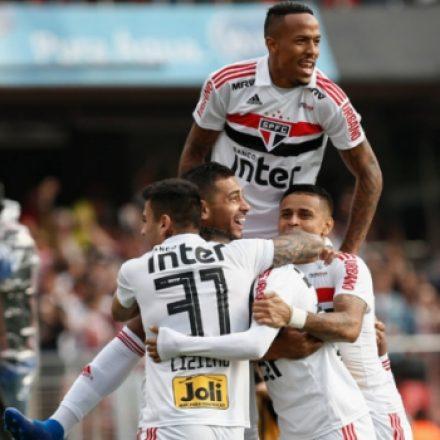 São Paulo bate o Vasco no Morumbi e é o novo líder do Brasileirão