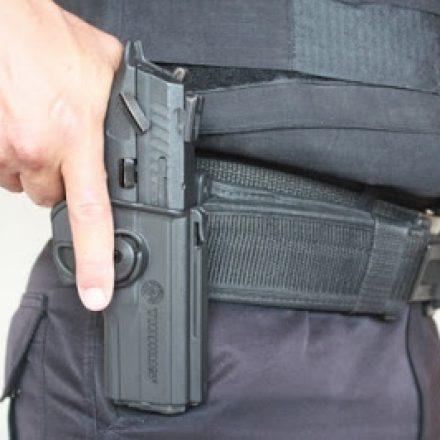 Bandidos levaram 875 armas de policiais em cinco anos
