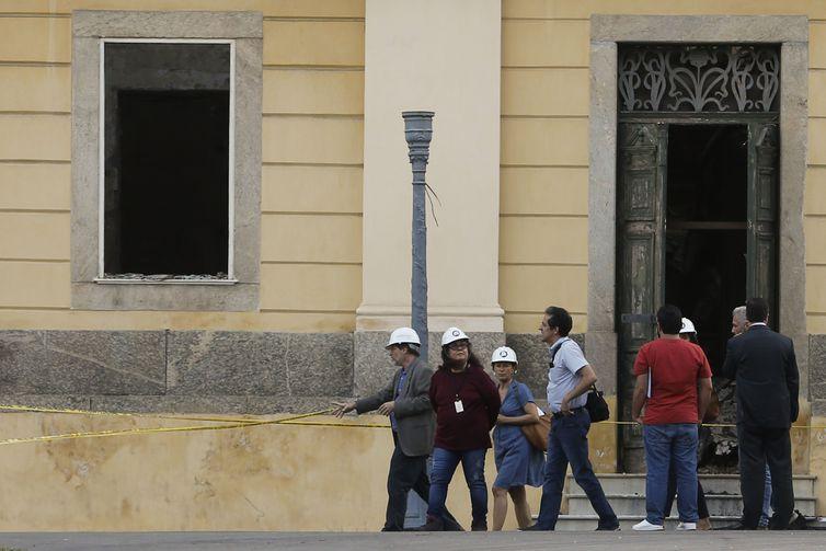 Missão da Unesco faz primeira visita ao Museu Nacional
