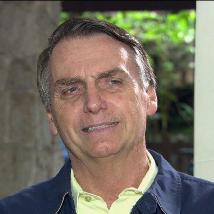 Bolsonaro diz que vai chamar juiz Sérgio Moro para Ministério da Justiça ou STF