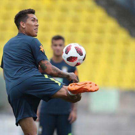 Tite deve fazer seis alterações na seleção brasileira para o clássico contra a Argentina
