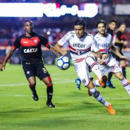 São Paulo visita o Vitória para encerrar jejum de seis jogos
