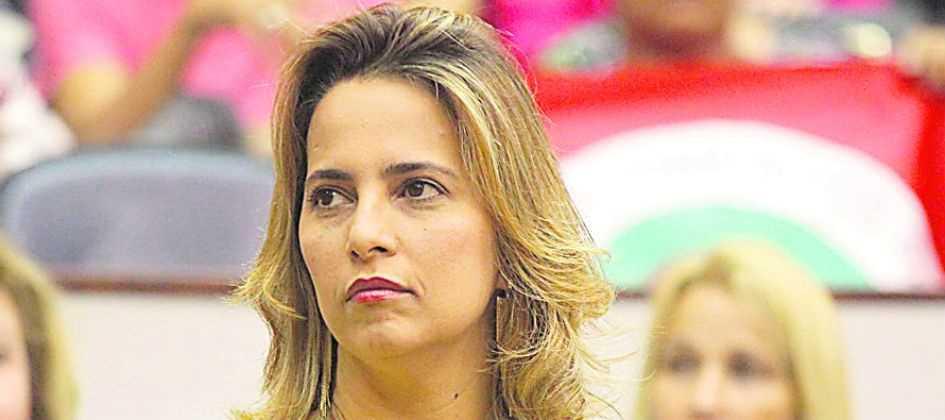 Polícia Federal prende Elian Santana por fraude no INSS