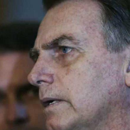 Bolsonaro diz que vai incorporar Ministério do Trabalho a outra pasta