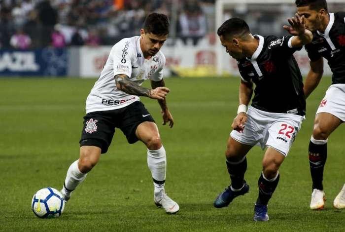 Vasco perde para Corinthians por 1 a 0 e reclama da arbitragem