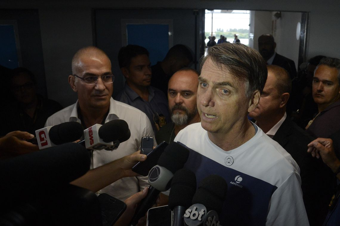 Petrobras pode ser privatizada em parte, diz Bolsonaro