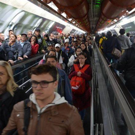 Metrô vai retirar esteiras da transferência entre as linhas 2-Verde e 4-Amarela