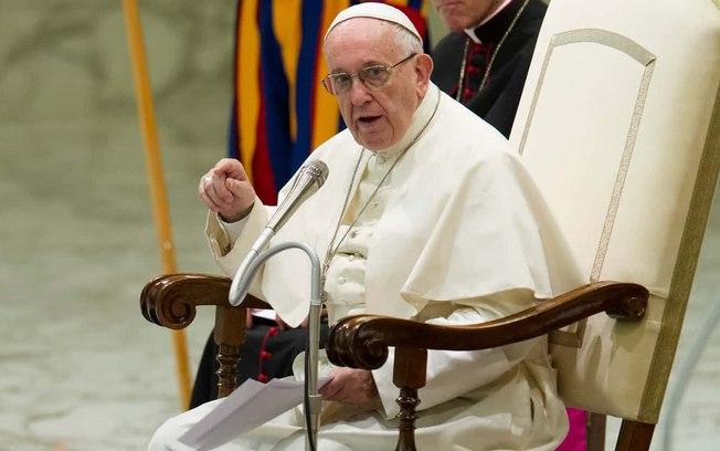 Papa Francisco pede mais mulheres em cargos de responsabilidade na Igreja