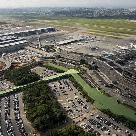 Avião que ia para Paris tem problemas e retorna a Guarulhos