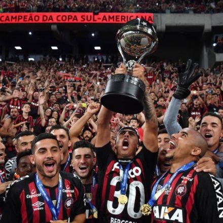 Nos pênaltis, Atlético Paranaense fatura a Copa Sul-Americana