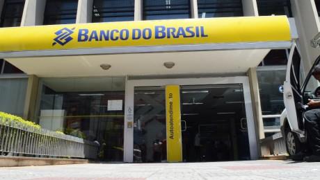 Agências bancárias não abrirão no dia 31