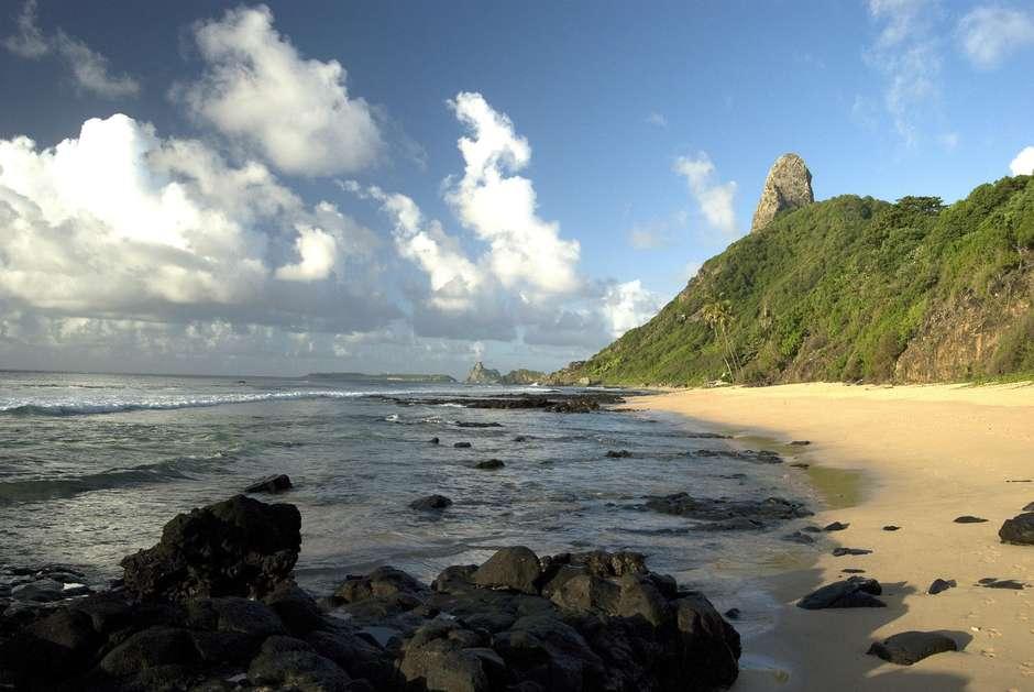 Fernando de Noronha proíbe plástico e isopor na ilha