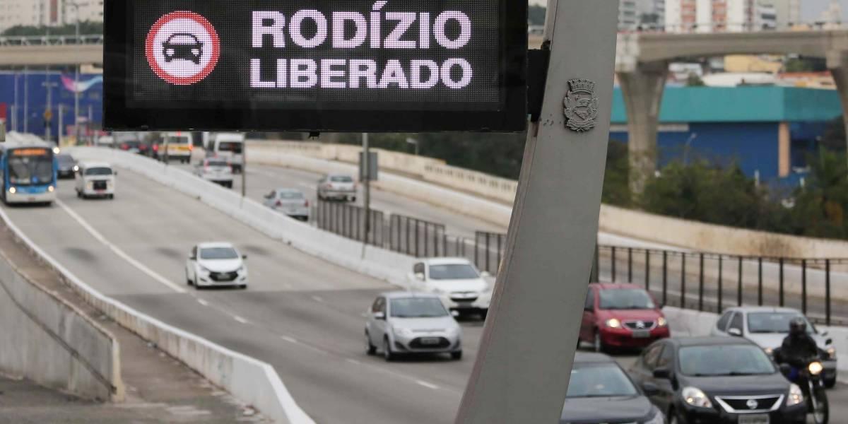 Aniversário de São Paulo: Rodízio municipal fica suspenso no feriado