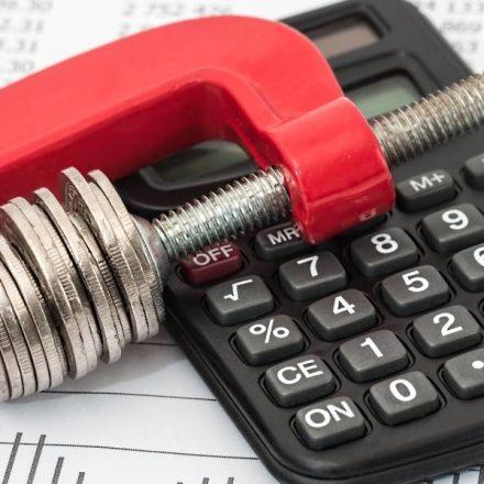 69% das pessoas não poupam para impostos e despesas extras do começo de ano