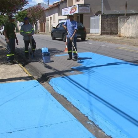 Cidade paulista pinta asfalto para amenizar o calor
