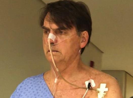 Exames de Bolsonaro apontam pneumonia, diz boletim médico