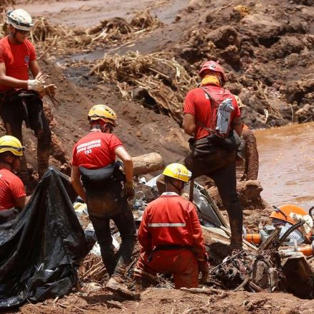 Exames em 4 bombeiros de Brumadinho detectam metais