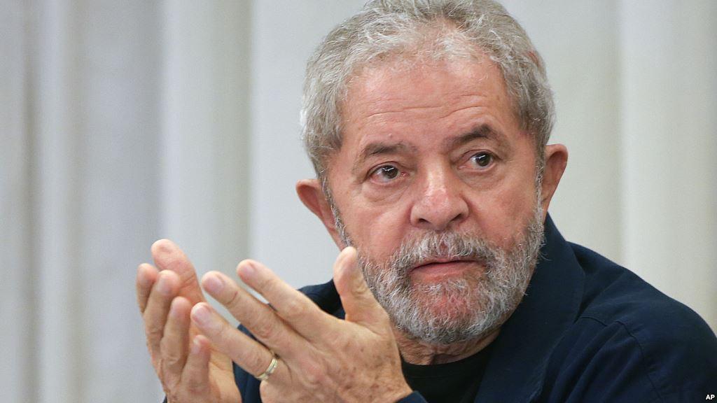 Lula é condenado a mais 12 anos e 11 meses por sítio em Atibaia
