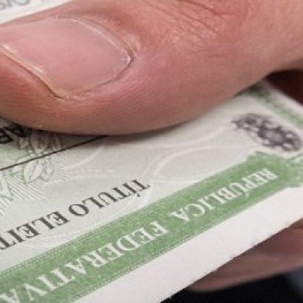 Eleitores ausentes devem regularizar situação para evitar cancelamento do título