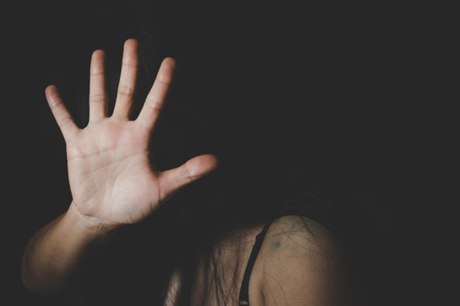 Mais de quinhentas mulheres são agredidas por hora no Brasil