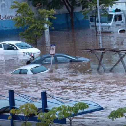 Doria pede para população não sair de casa em SP por causa da chuva