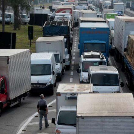 Bolsonaro quer conversa para evitar greve de caminhoneiros