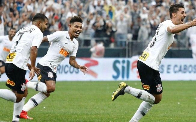 Corinthians derrota Oeste e se garante nas quartas de final do Paulistão