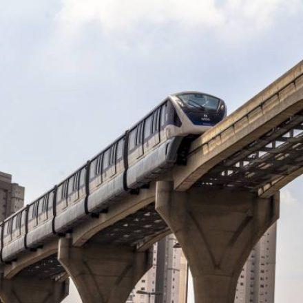 Metrô assina contrato para retomar obras na Linha Prata
