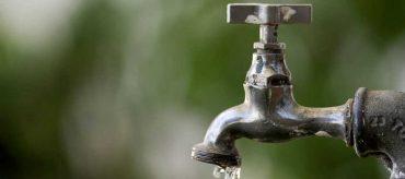 Após água escura, moradores reclamam de torneiras secas