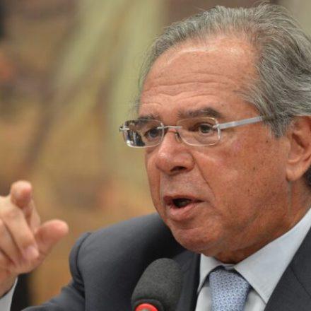 Governo estuda fim de deduções do IRPF com saúde e educação, diz Ministro Paulo Guedes